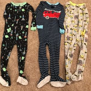 Boys 3T footie PJ lot (8 total)